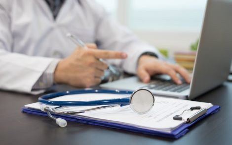 Fibromyalgia Patients Stick with Combo Therapies Better Than Stand-alones, Study Reports